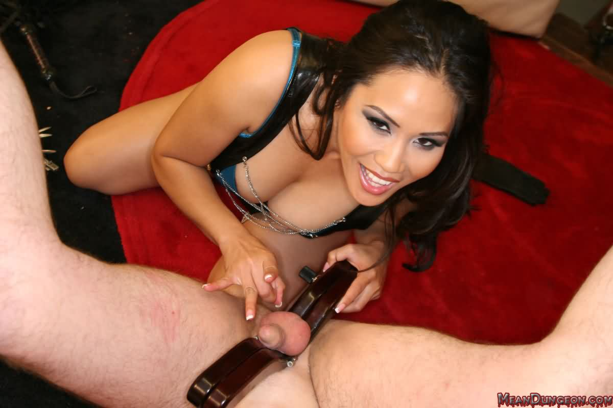 extreme femdom and bdsm pleasurement
